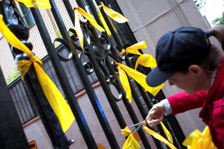 polemica-lazos-amarillos-Mariano-Ayuso-eldebatedehoy